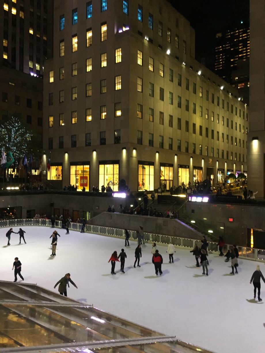 5-skating-rink-at-rockfeller-centre